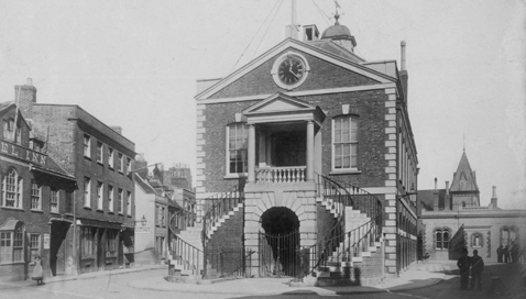 See places that tell the town's history
